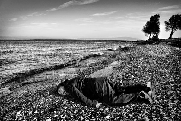 Ai Weiwei's Photo Reenacting a Child Refugee's Death